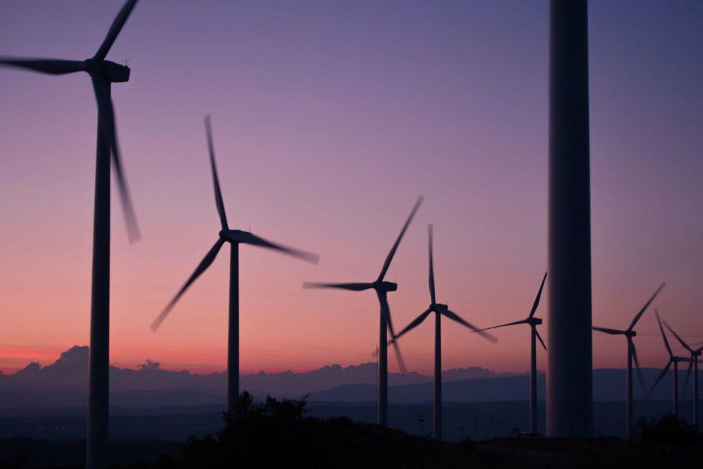 Energy News Headlines Risk Analysis Debate